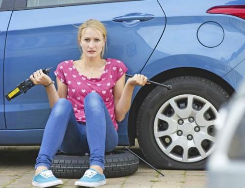 Neumático auto-reparable que se repara el mismo